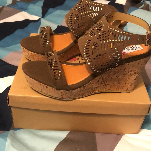 d0db593bf southern fried chics Shoes | Nib Adorable Wedge Sandals Brown | Poshmark